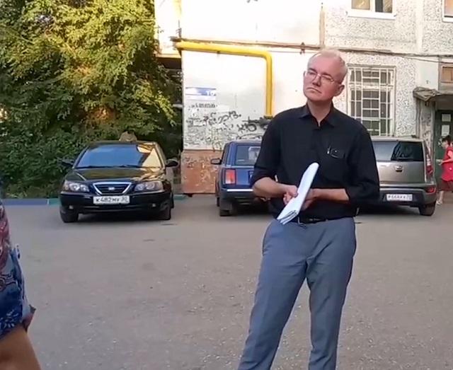 Депутат Олег Шеин