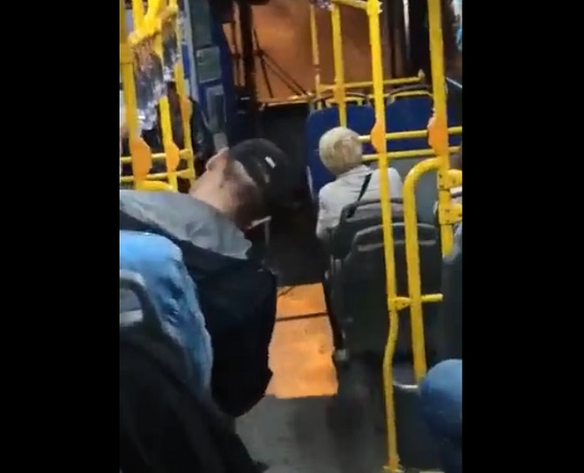 конфликт в автобусе