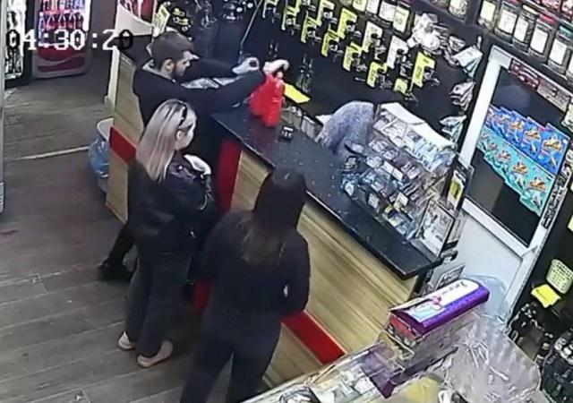 драка в магазине