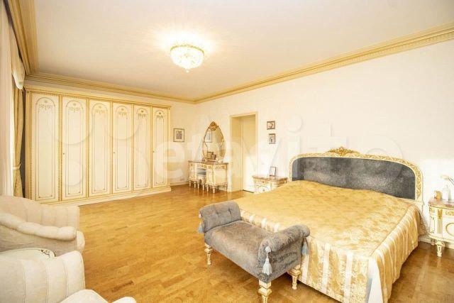 7-комнатная квартира чиновника