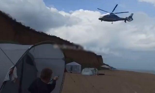 вертолет на пляже