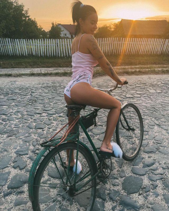 Бьюти-блогерша из Харькова Кристина Крюкова