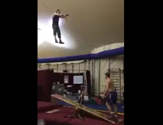 тренировка акробатов