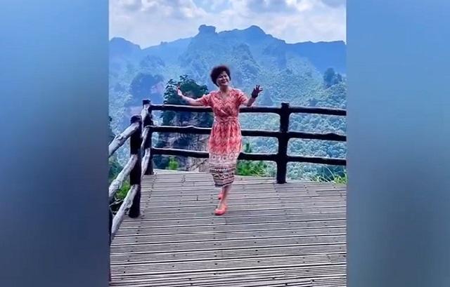 китаянка такнцует