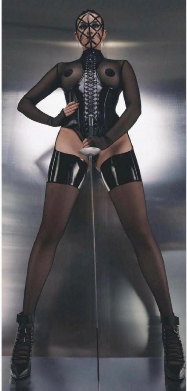 Певица Maruv в откровенной фотосессии для Playboy (8 фото)