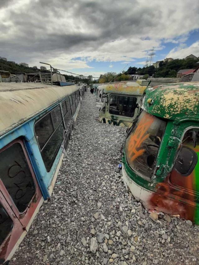 Кладбище троллейбусов в Ялте