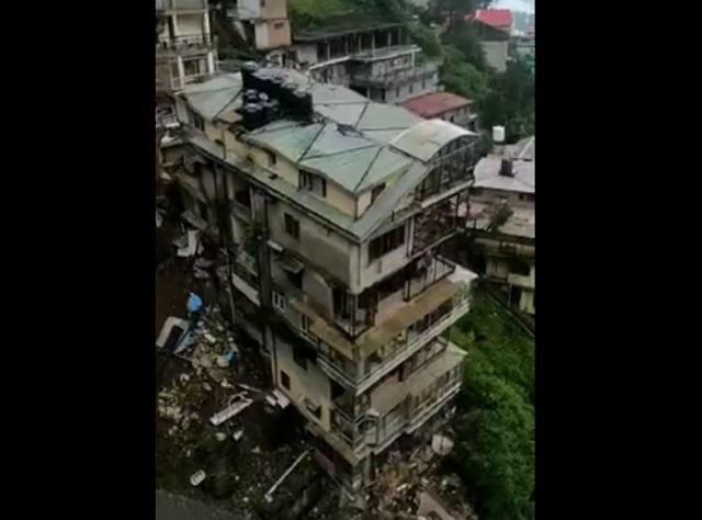 оползень разрушил здание