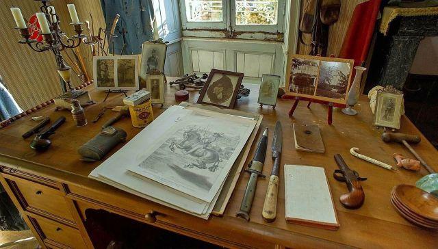 Комната лейтенанта французской армии Юбера Рошеро